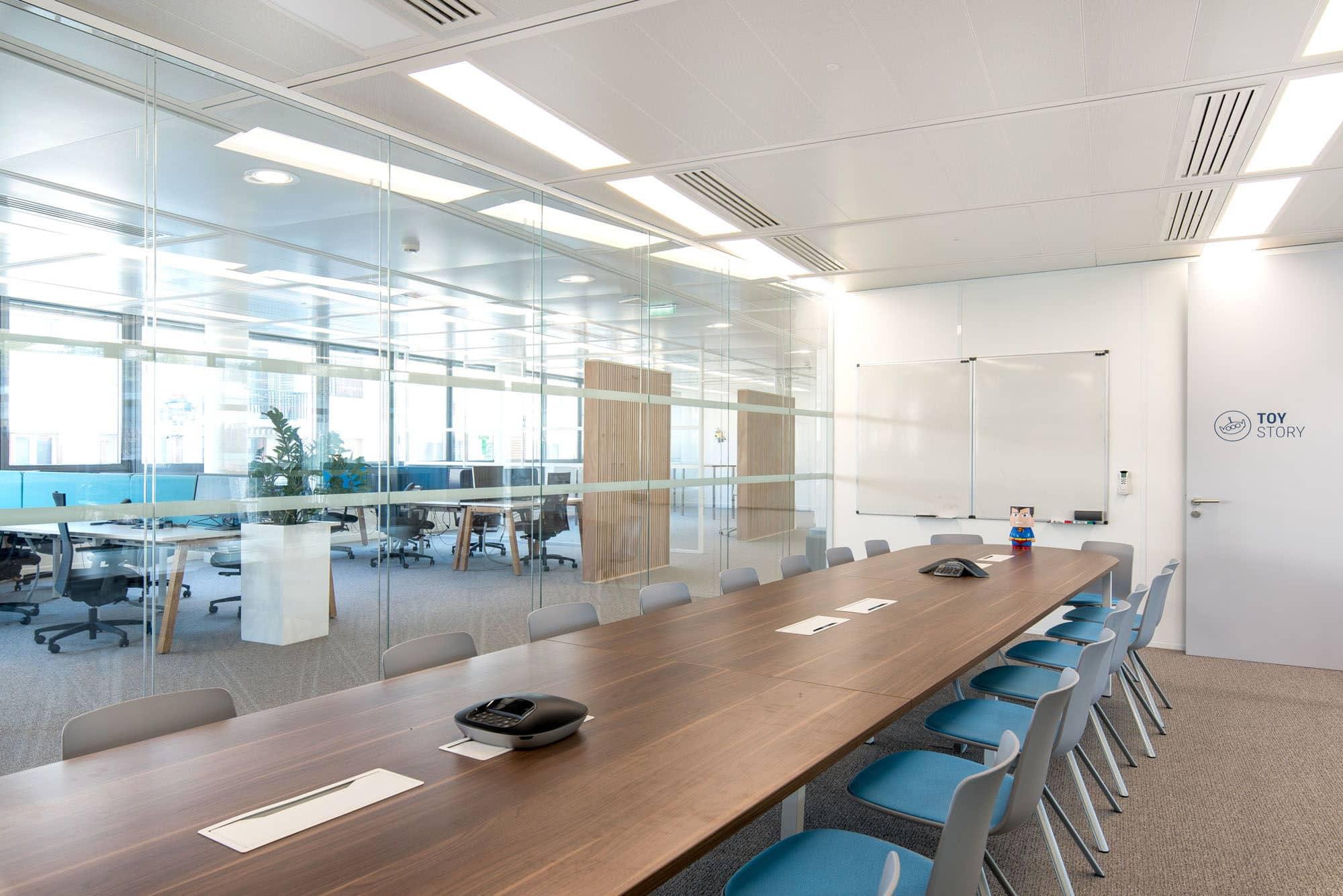Photo après l'aménagement de salle de réunion chez Talensoft - Les Batisseurs